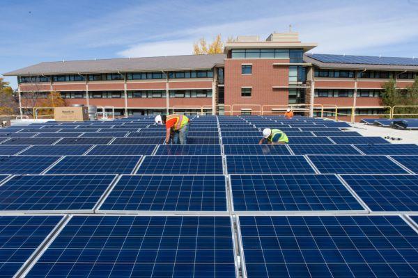 solar-panels-on-petrol-pumps